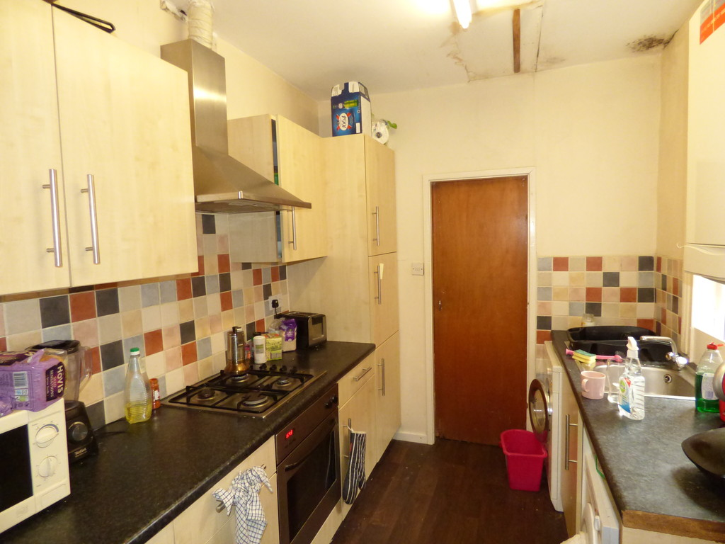 2 bed flat to rent in Hazelwood Avenue, Jesmond  - Property Image 1
