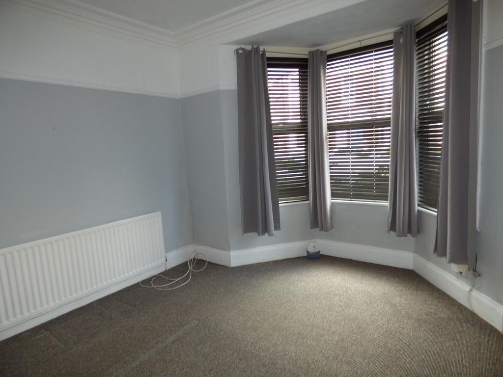 2 bed ground floor flat to rent in Warton Terrace, Heaton  - Property Image 1