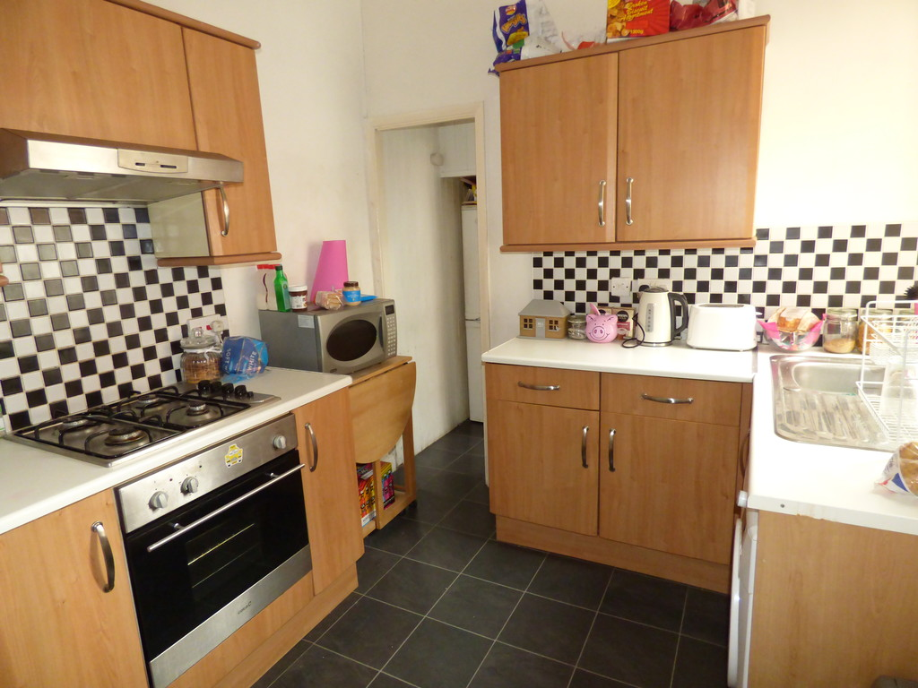 2 bed flat to rent in Mayfair Road, Jesmond  - Property Image 1