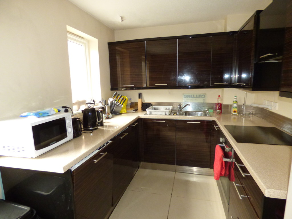 2 bed flat to rent in Mariners Wharf, Quayside - Property Image 1