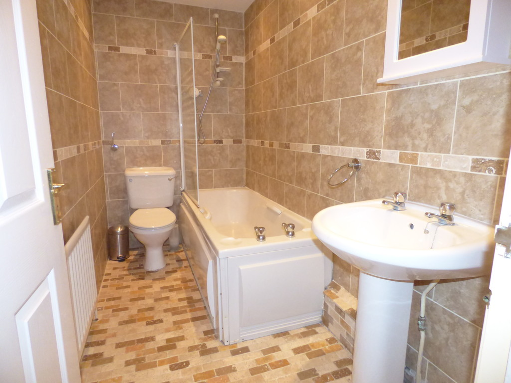 2 bed flat to rent in Doncaster Road, Sandyford - Property Image 1