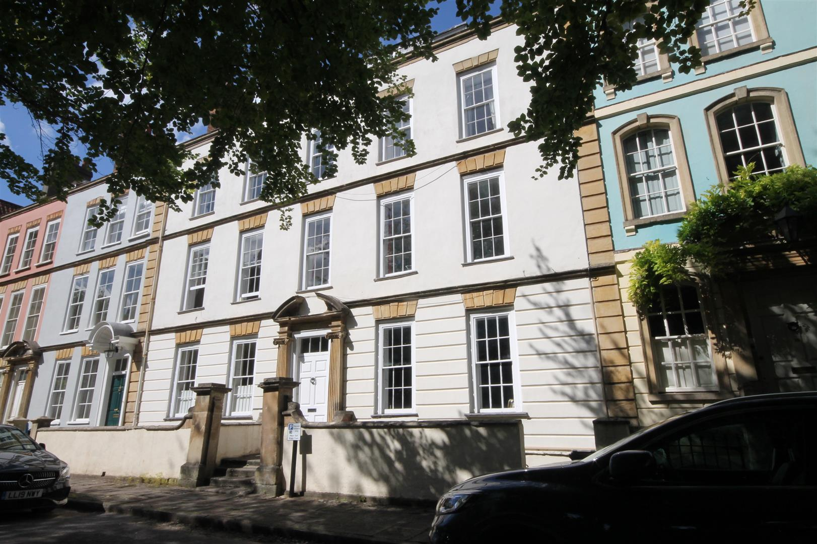 4 bed flat to rent in Dowry Square, Bristol 7