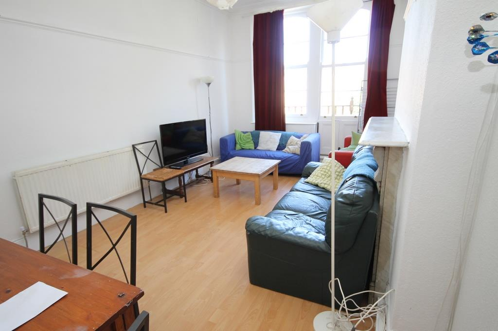 5 bed flat to rent in Clifton Park Road, Bristol - Property Image 1