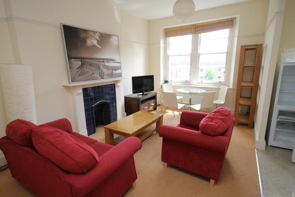 2 bed flat to rent in Clifton Park Road, Bristol  - Property Image 1