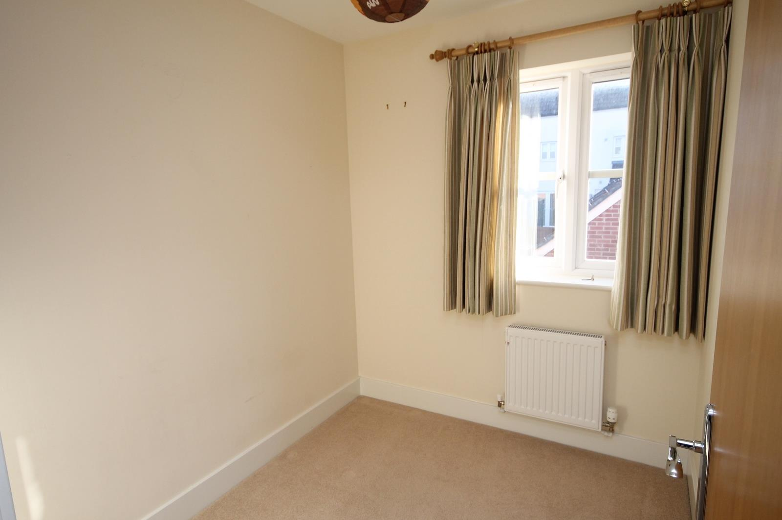 4 bed house to rent in Blackcurrant Drive, Bristol 5