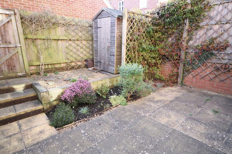 4 bed house to rent in Blackcurrant Drive, Bristol 8