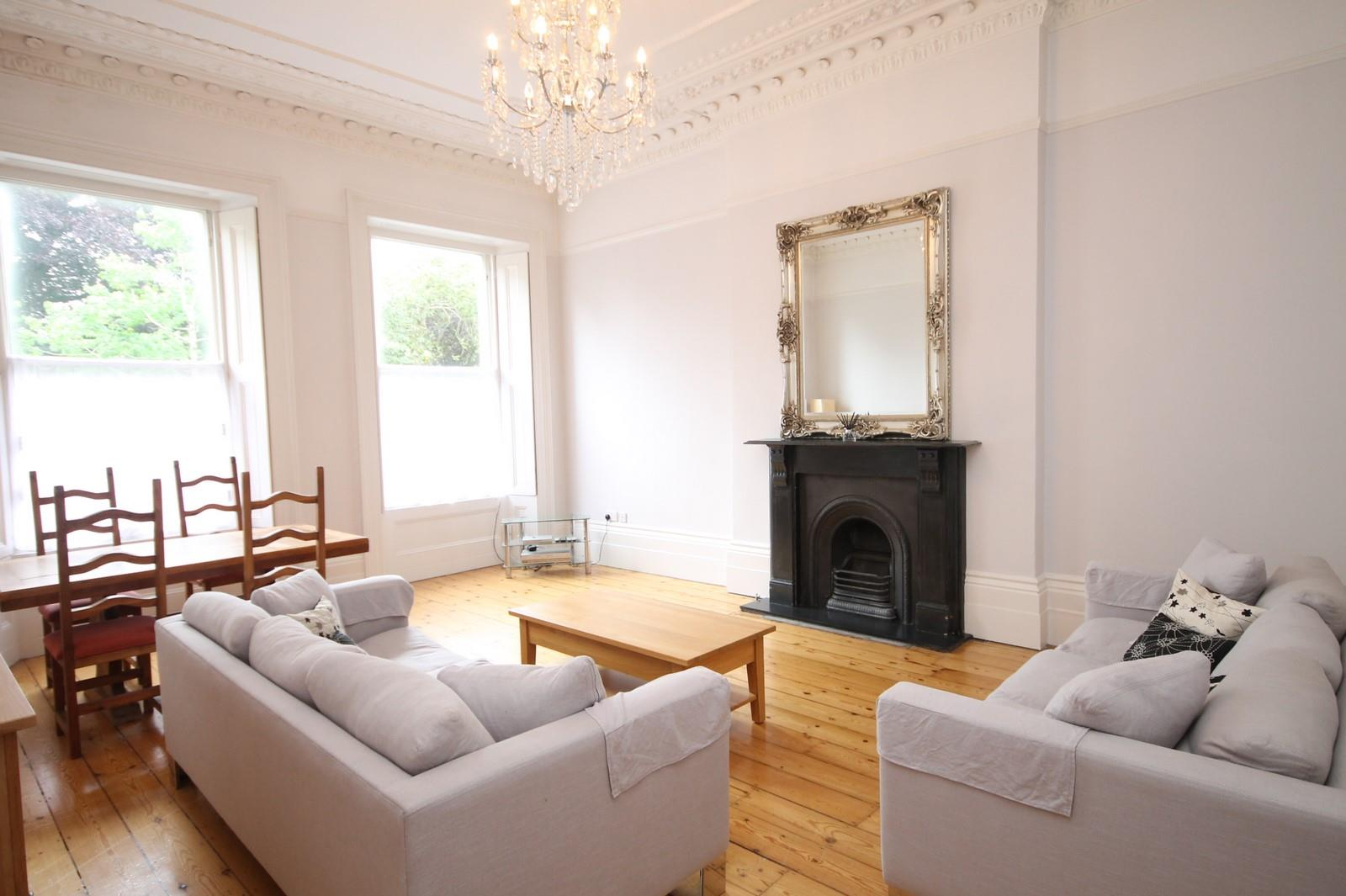 2 bed flat to rent in Victoria Square, Bristol, BS8