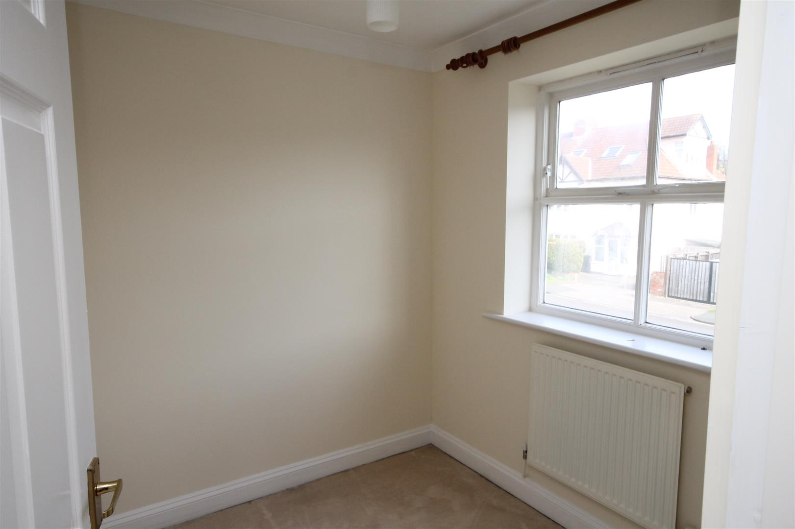 4 bed house to rent in Reedley Road, Bristol 8
