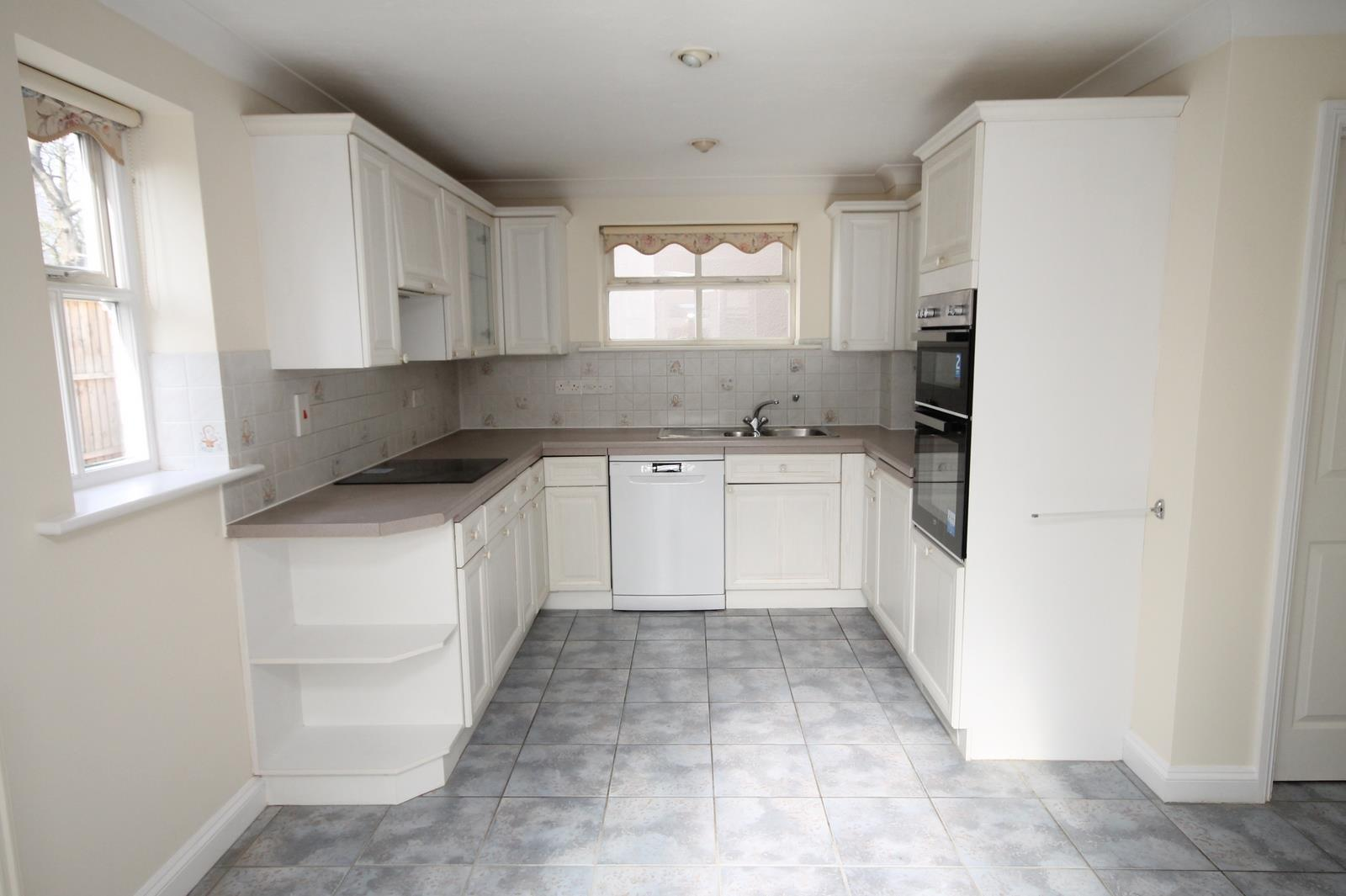 4 bed house to rent in Reedley Road, Bristol 3