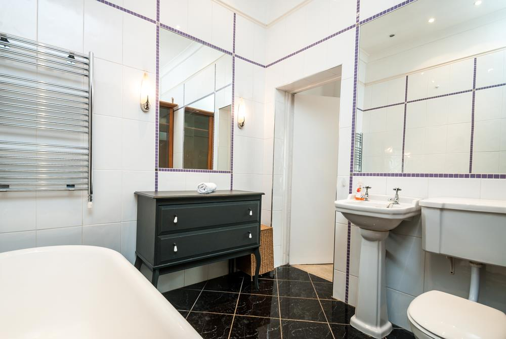 2 bed flat to rent in Cambridge Park, Bristol 10