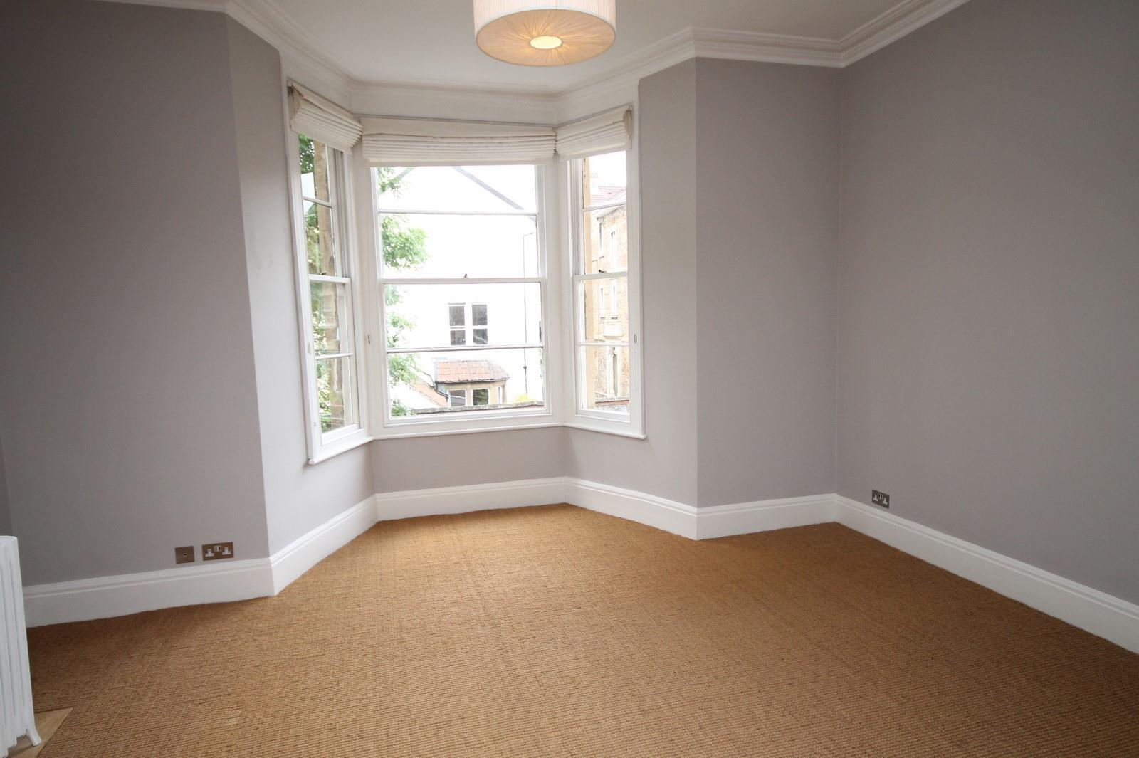 2 bed flat to rent in 16 Miles Road, Bristol 1