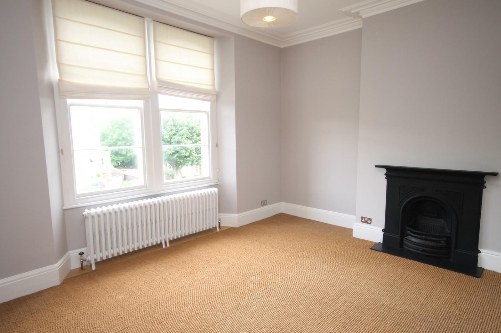 2 bed flat to rent in 16 Miles Road, Bristol 2