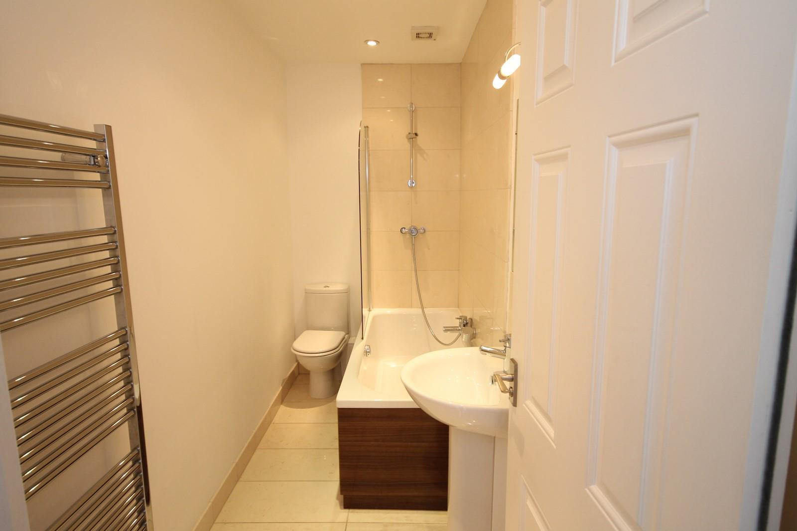 2 bed flat to rent in 16 Miles Road, Bristol  - Property Image 8