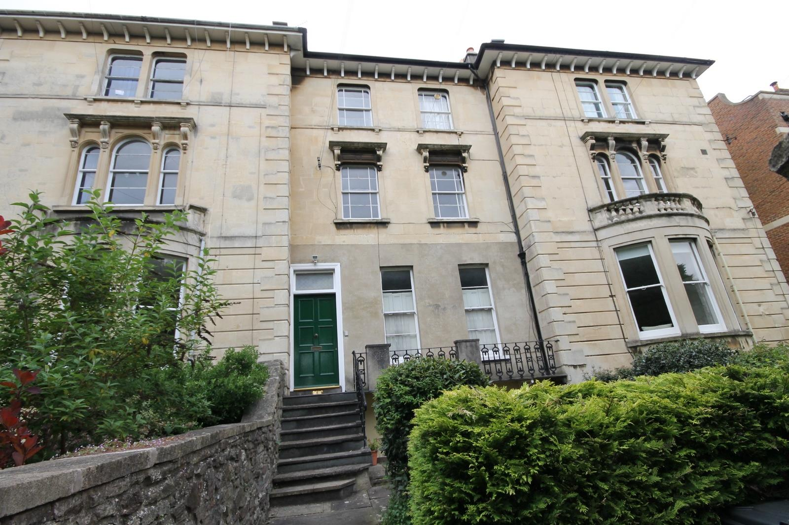 2 bed flat to rent in 8 Chertsey Road, Bristol, BS6