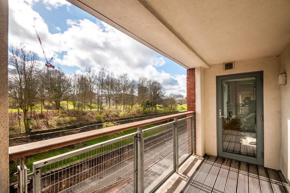2 bed flat to rent in Horizon Broad Weir, Bristol 12