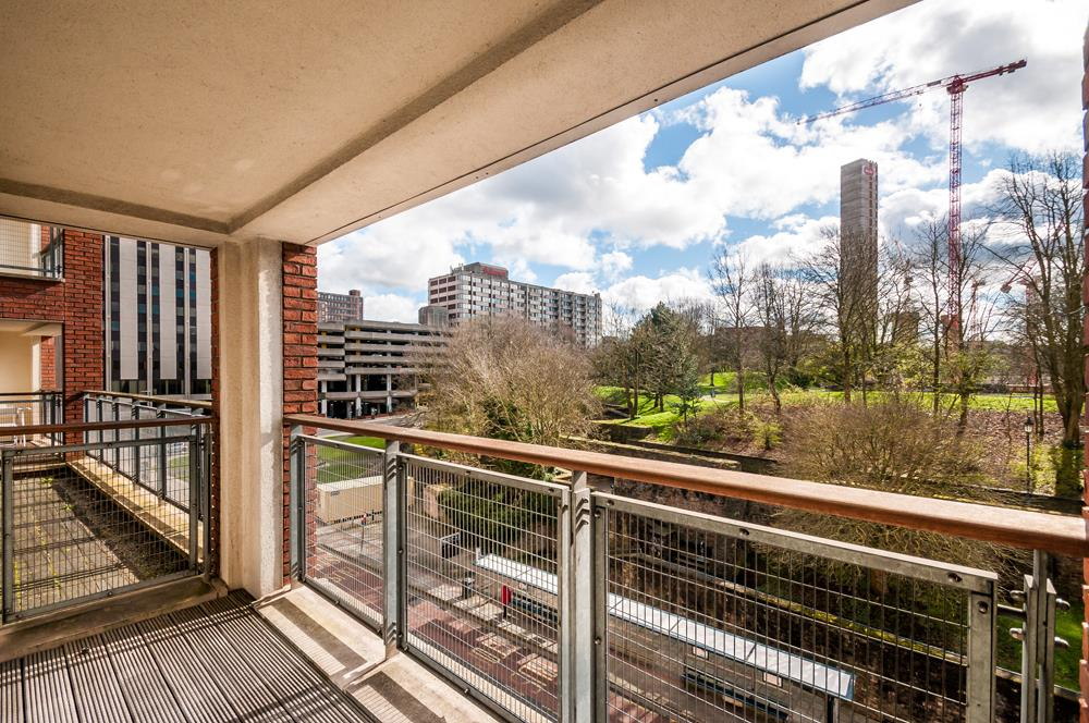 2 bed flat to rent in Horizon Broad Weir, Bristol  - Property Image 1