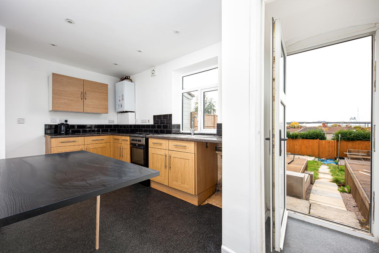 3 bed house to rent in Portbury Grove, Bristol 7