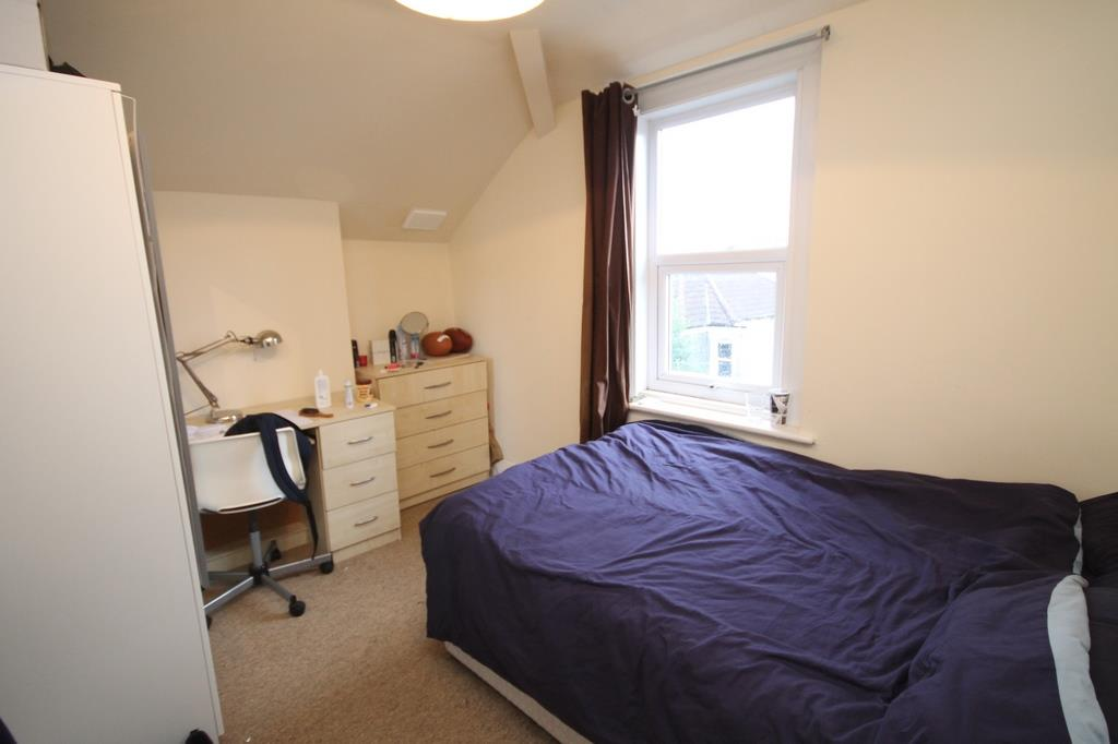 6 bed flat to rent in Chandos Road, Bristol 6