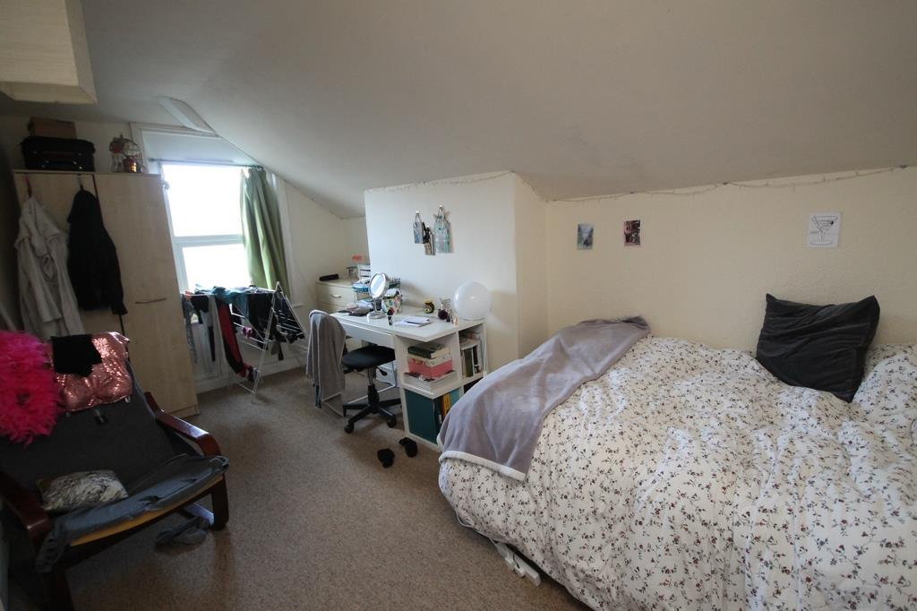 6 bed flat to rent in Chandos Road, Bristol 4