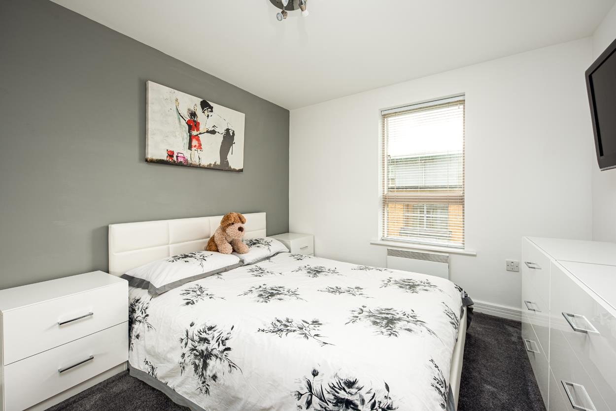 2 bed apartment for sale in North Contemporis, Merchants Road, Bristol  - Property Image 11