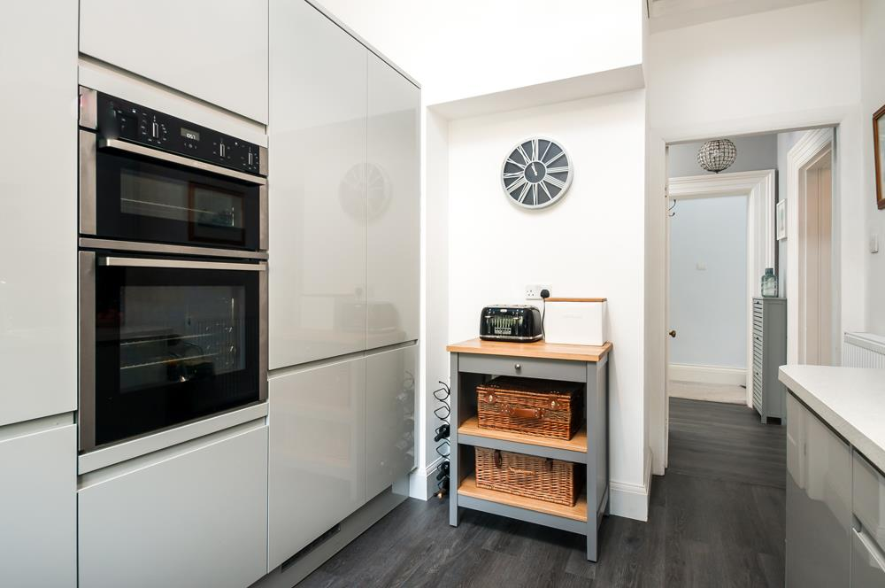 3 bed flat for sale in Apsley Road, Bristol 7