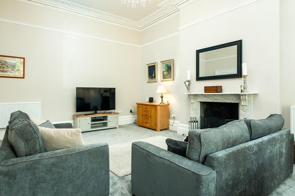 3 bed flat for sale in Apsley Road, Bristol 4