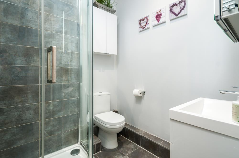 3 bed flat for sale in Apsley Road, Bristol 15