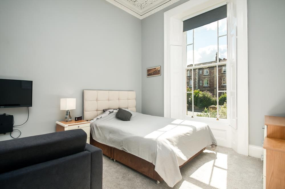 3 bed flat for sale in Apsley Road, Bristol 18
