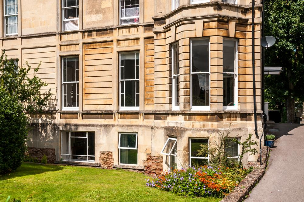 3 bed flat for sale in Apsley Road, Bristol 2