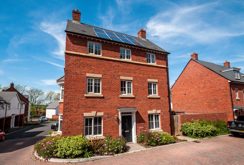 4 bed house for sale in Thornfield Road, Bristol - Property Image 1