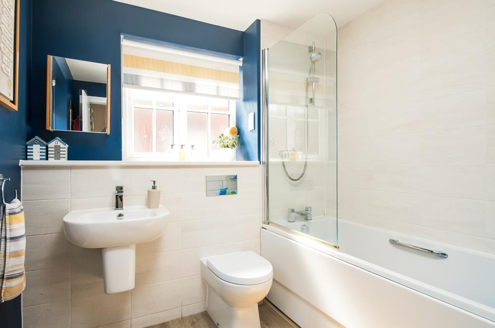 4 bed house for sale in Thornfield Road, Bristol 12