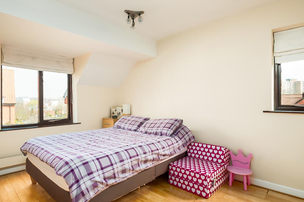 2 bed house for sale in Canada Way, Bristol  - Property Image 7