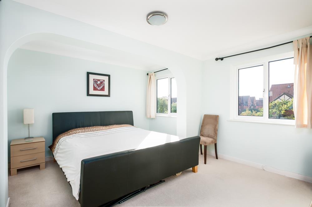 3 bed flat for sale in Portland Court, Cumberland Close, Bristol 8