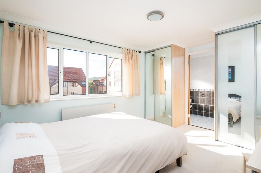 3 bed flat for sale in Portland Court, Cumberland Close, Bristol 9