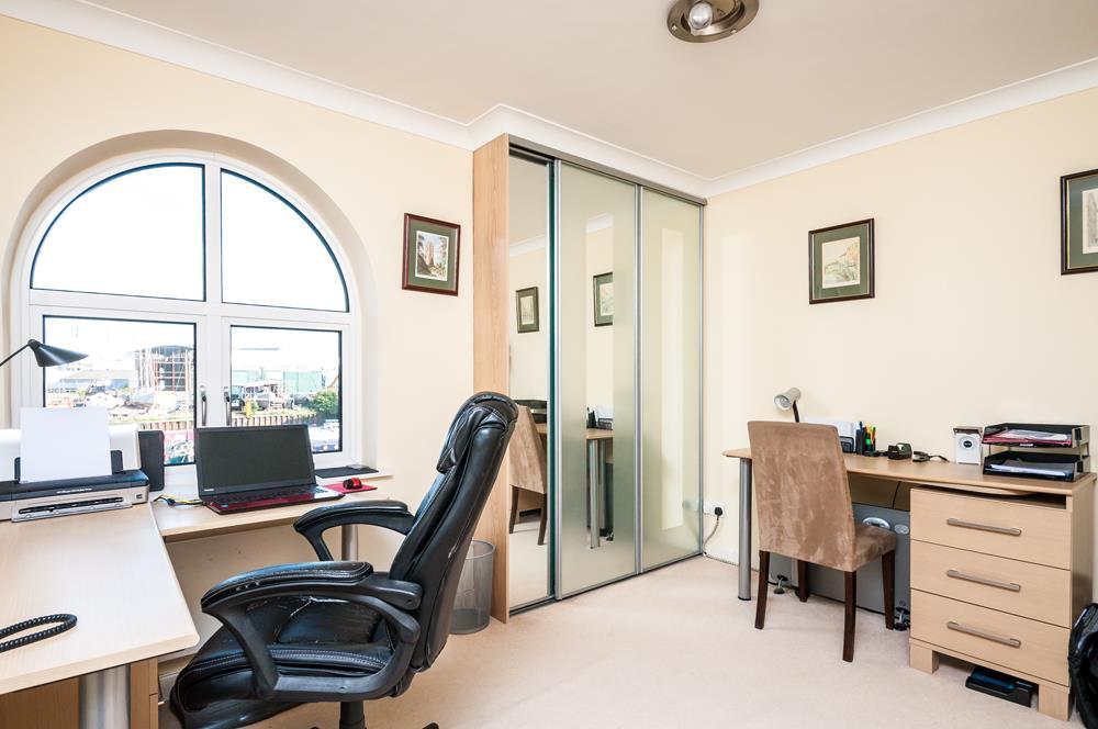 3 bed flat for sale in Portland Court, Cumberland Close, Bristol 10
