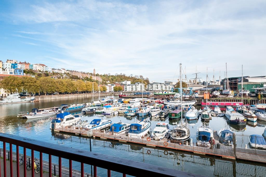 3 bed flat for sale in Portland Court, Cumberland Close, Bristol  - Property Image 24