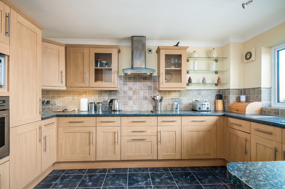 3 bed flat for sale in Portland Court, Cumberland Close, Bristol 5
