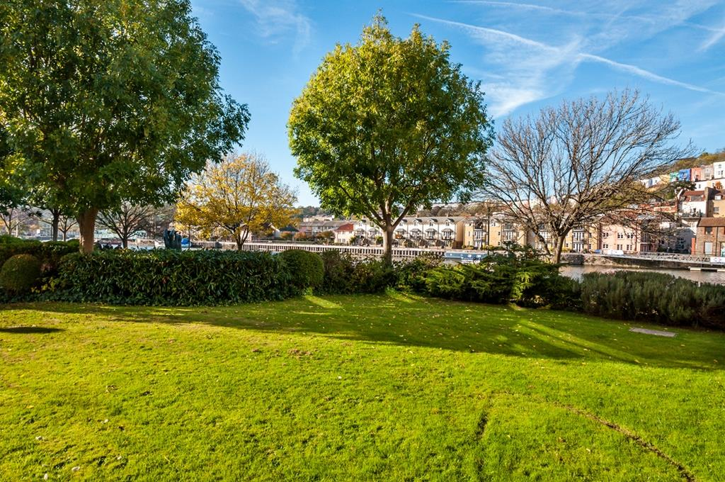 3 bed flat for sale in Portland Court, Cumberland Close, Bristol  - Property Image 19