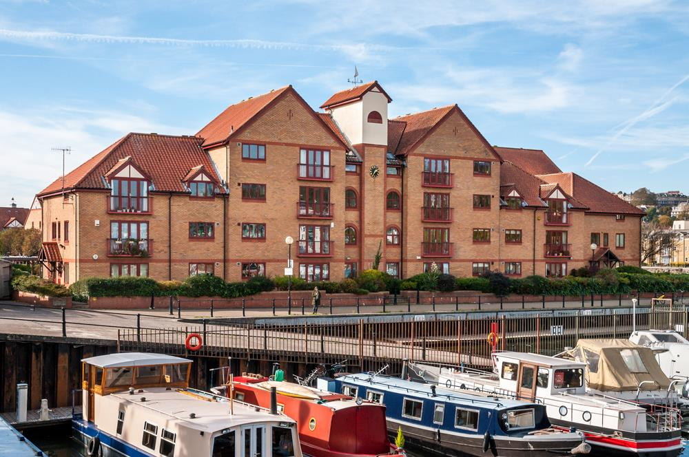 3 bed flat for sale in Portland Court, Cumberland Close, Bristol  - Property Image 1