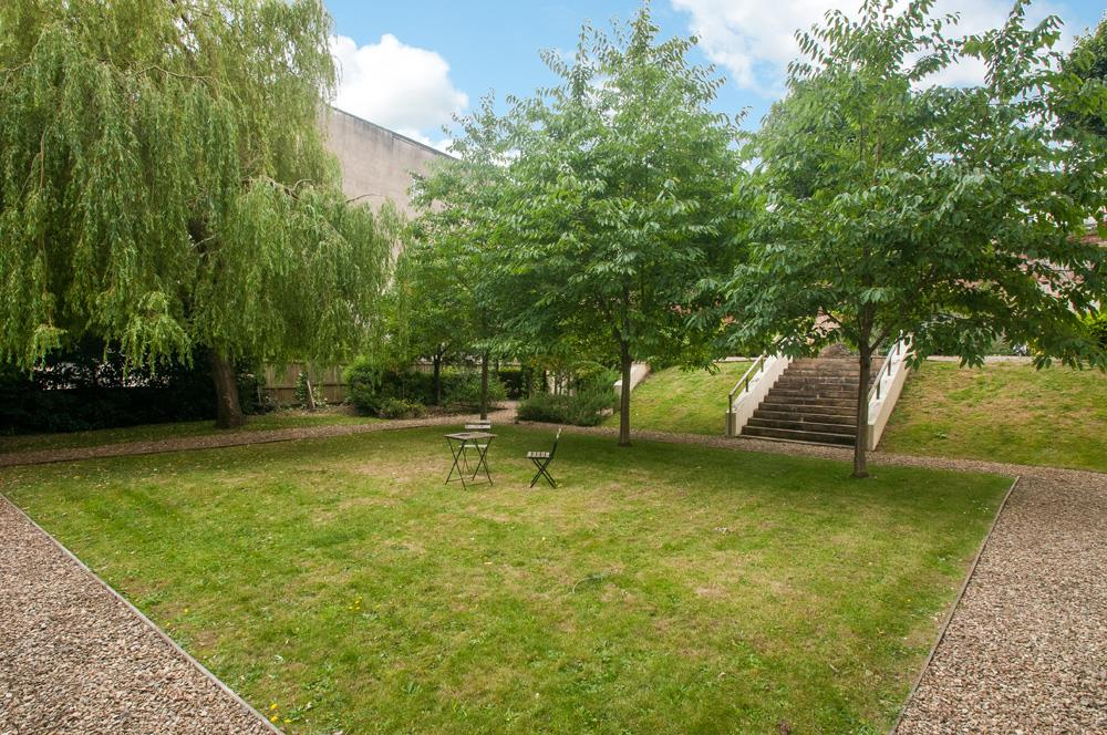 2 bed flat for sale in Grove House, Cornwallis Grove, Bristol 16