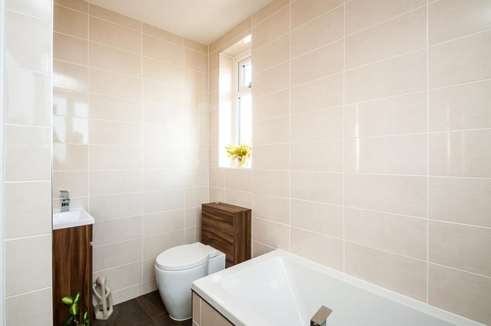 4 bed house for sale in Arbutus Drive, Bristol 14
