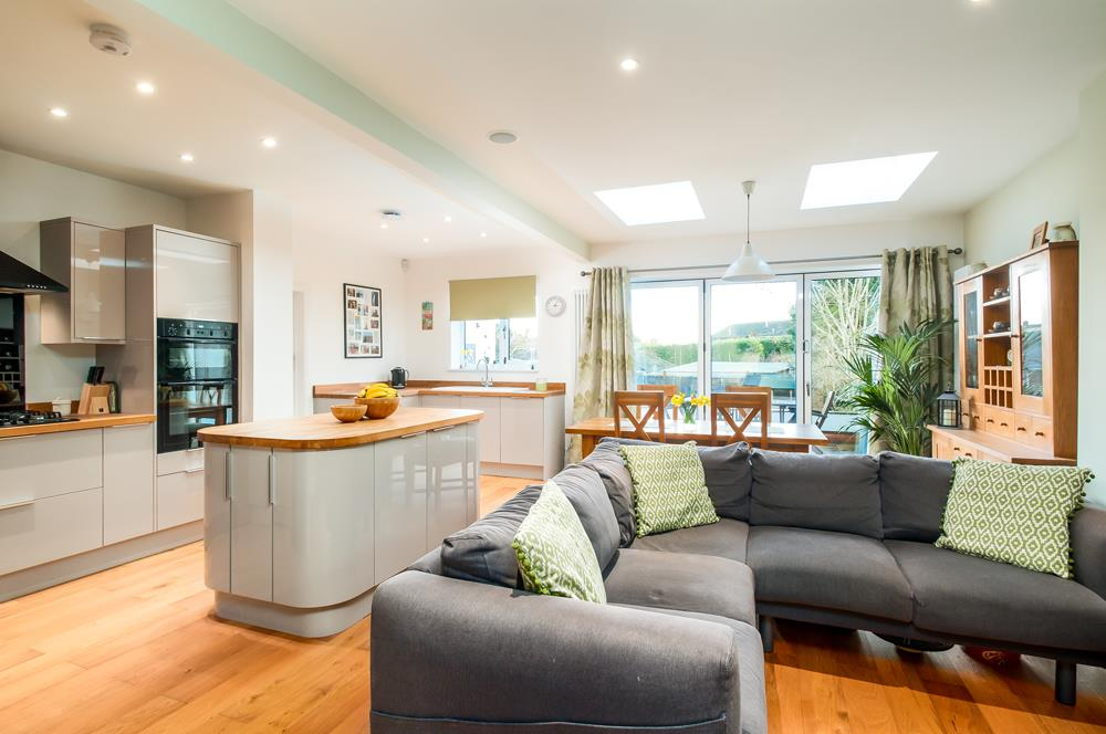 4 bed house for sale in Arbutus Drive, Bristol 4