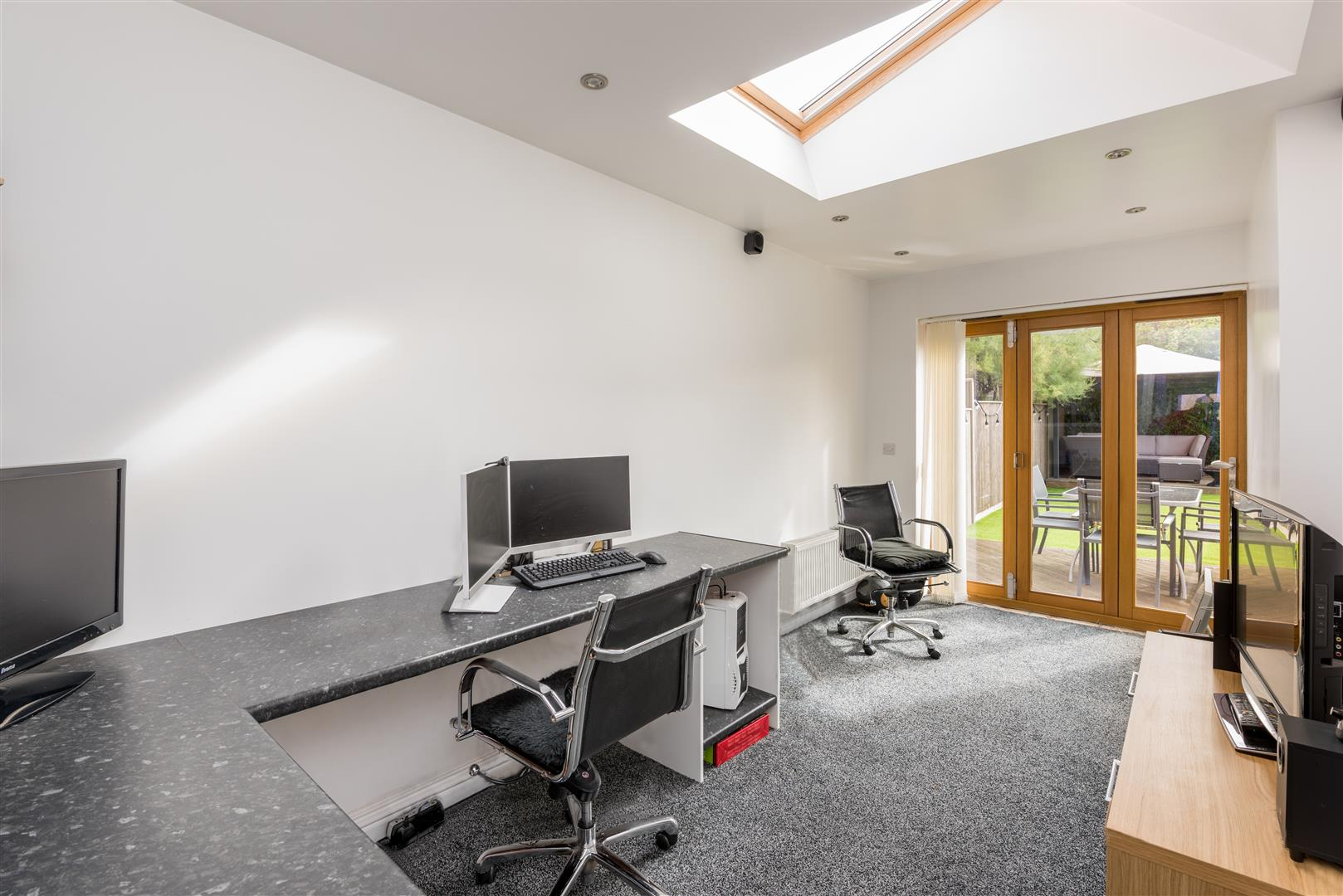 3 bed house for sale in Fallodon Way, Bristol 3