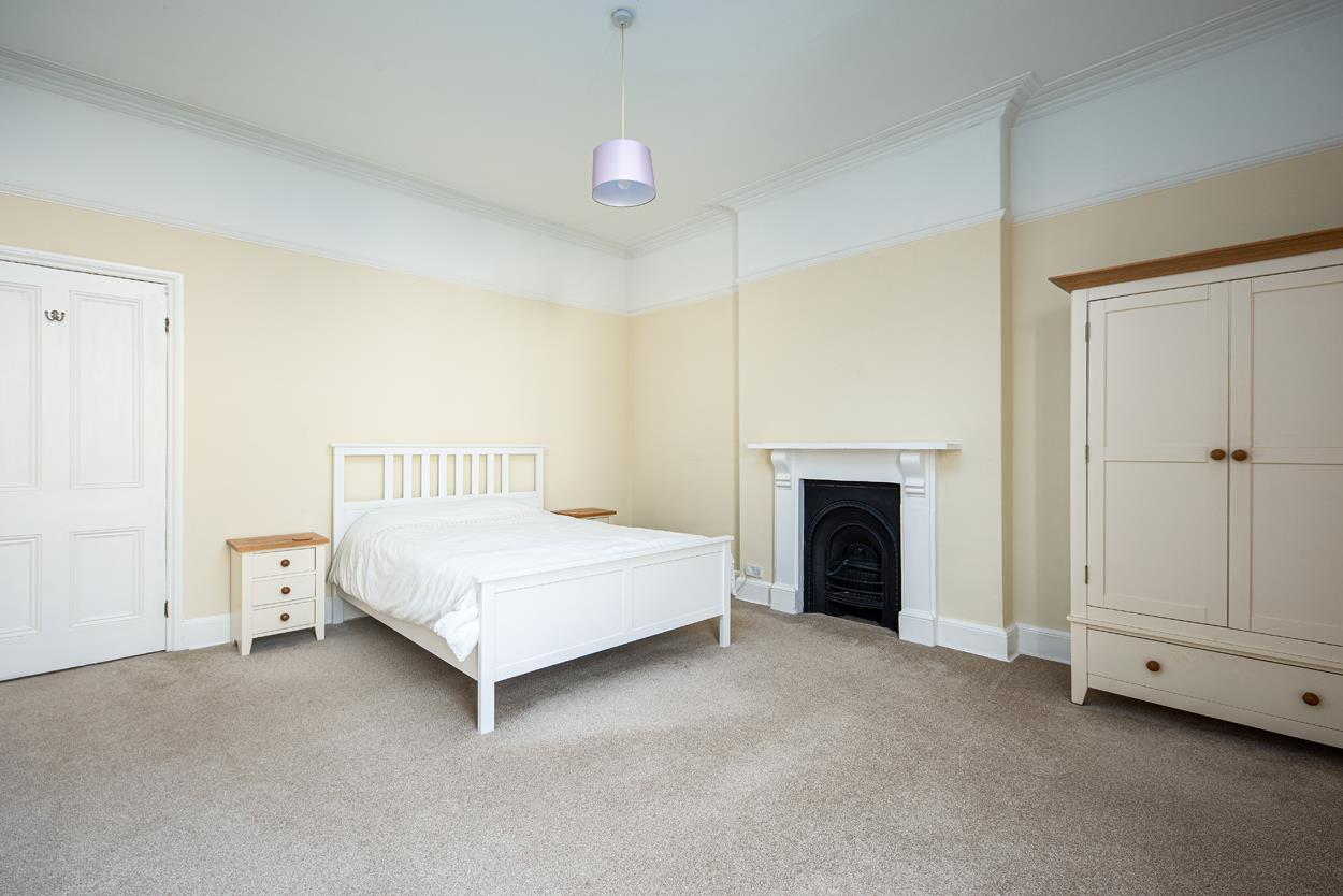 3 bed apartment to rent in Westfield Park, Bristol 3