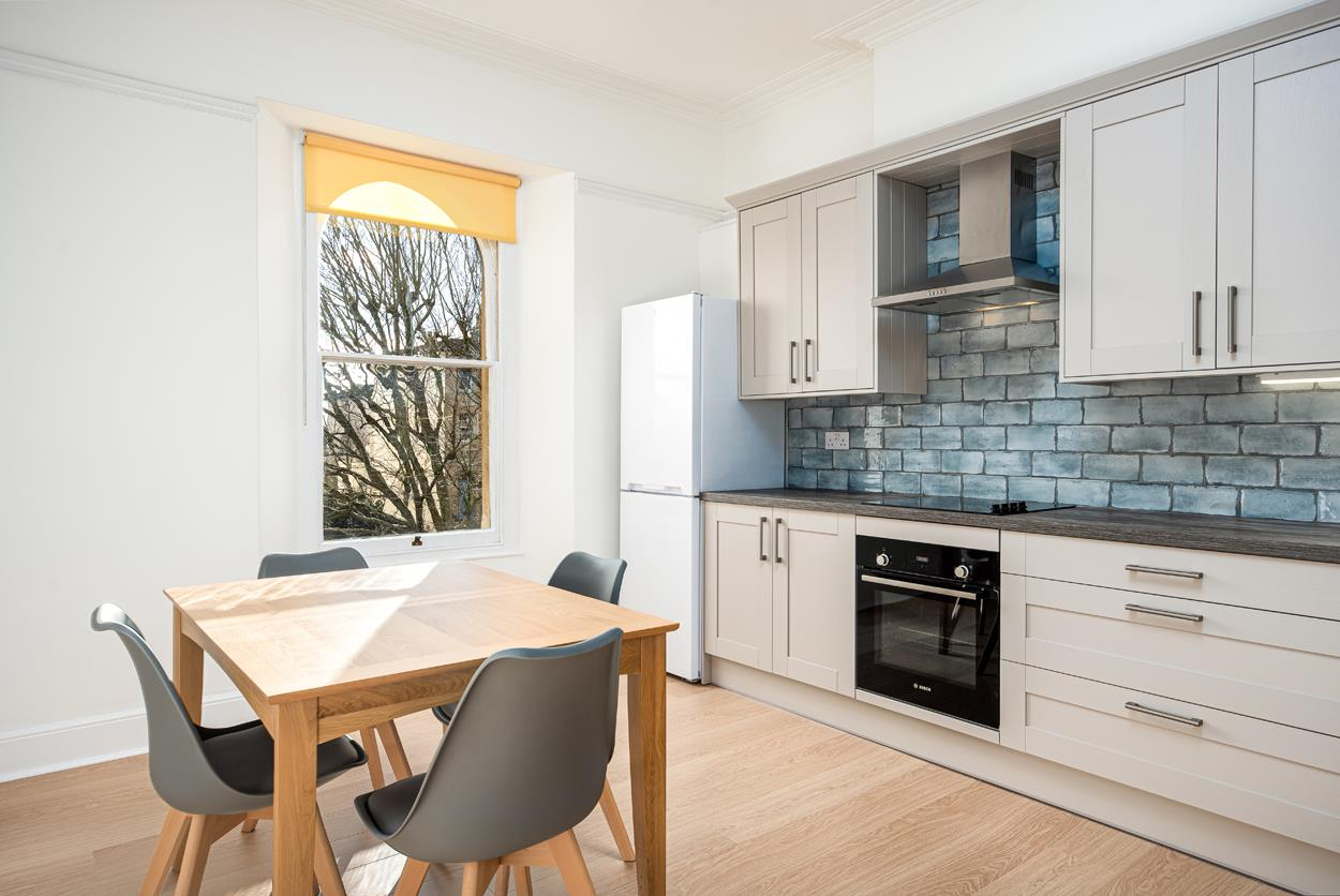 3 bed apartment to rent in Westfield Park, Bristol 11