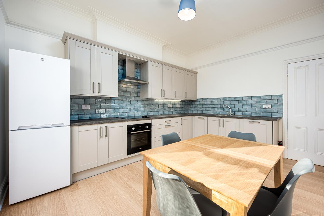 3 bed apartment to rent in Westfield Park, Bristol 1