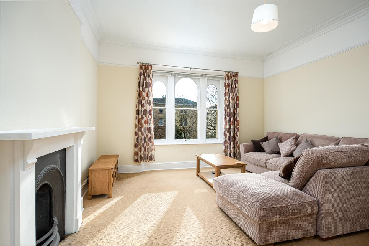 3 bed apartment to rent in Westfield Park, Bristol 2