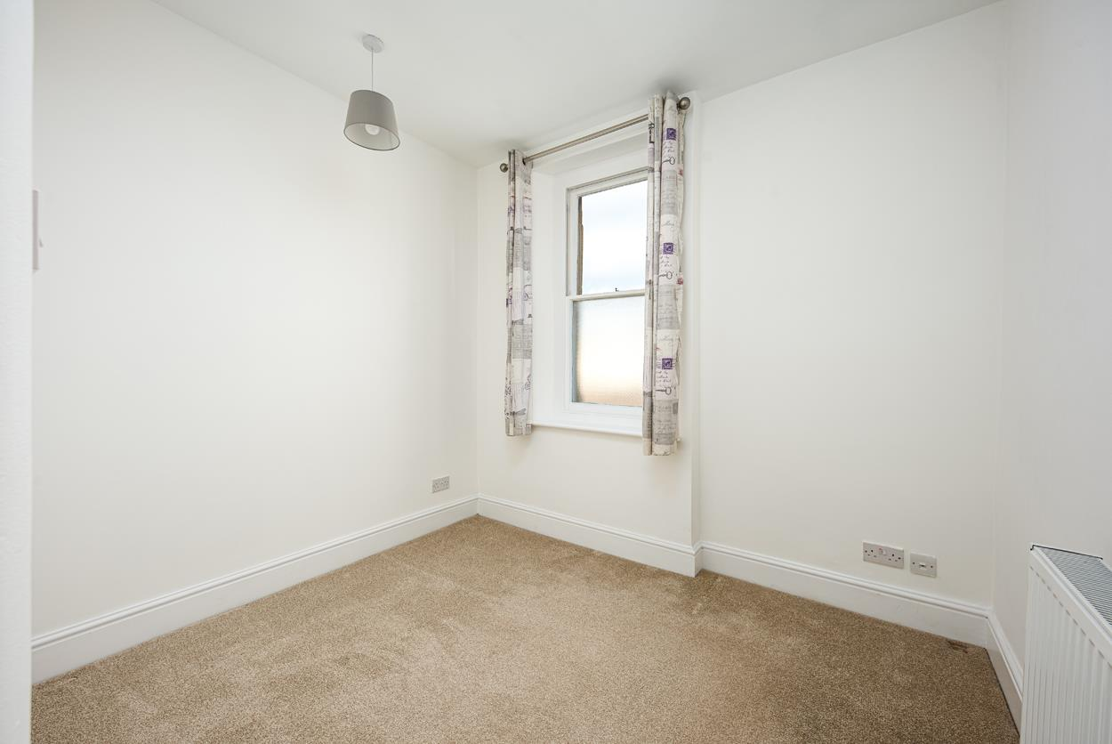 3 bed apartment to rent in Westfield Park, Bristol 8