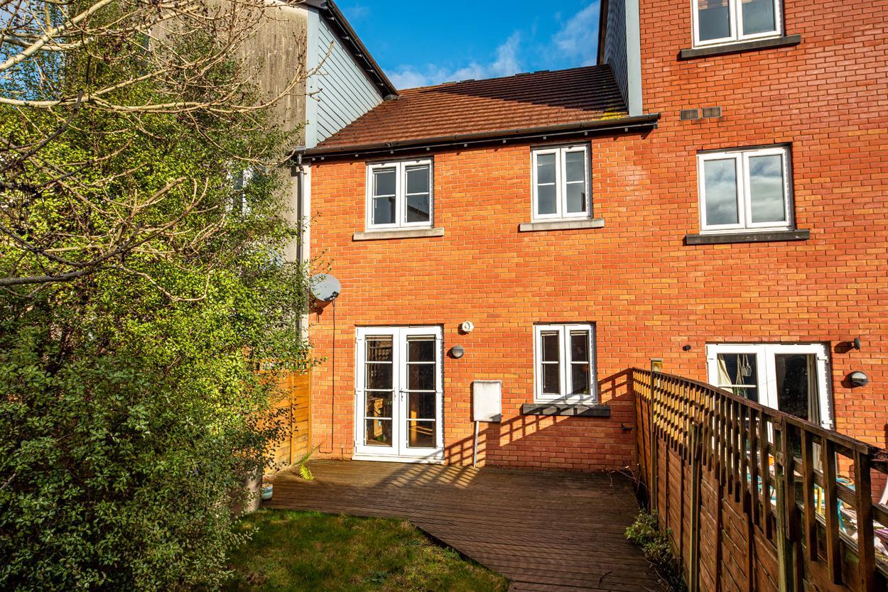 House to rent in Bartholomew Square, Bristol 10