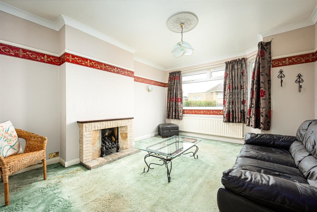 3 bed house for sale in Aldercombe Road, Bristol  - Property Image 2